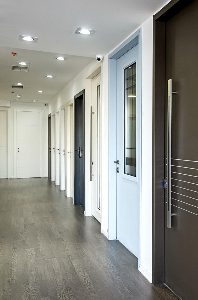 עידן דלתות - IDAN DOORS - פרויקט אולם תצוגה - מגוון דלתות