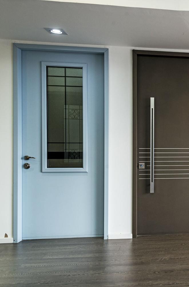 עידן דלתות - IDAN DOORS - פרויקט אולם תצוגה - דלת מודרנית